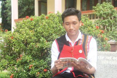 Cậu học trò Ê đê say mê học Lịch sử